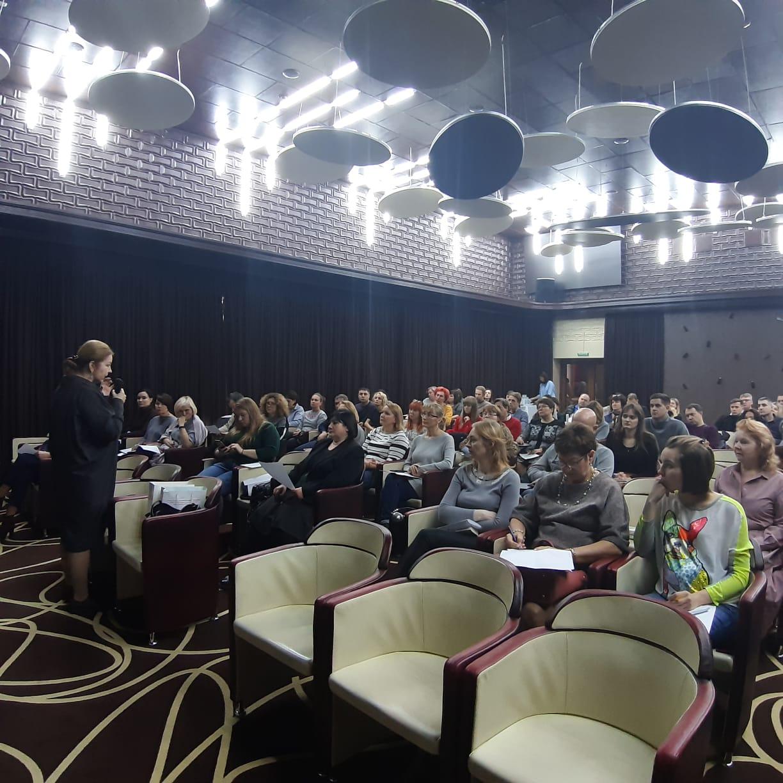 """16.11.19 в конференц-зале гостиницы """"Турист"""" состоялась конференция по современным вопросам гнатологии."""